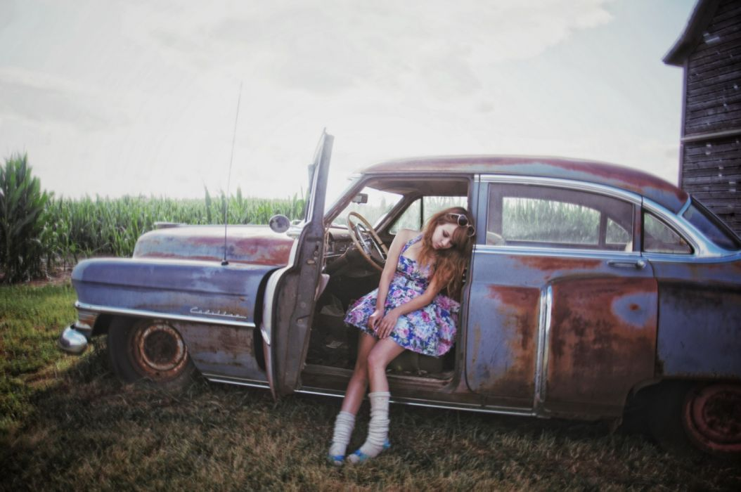 Machine sensuality sensual sexy girl woman model old-car classic legs knees dress sitting wallpaper