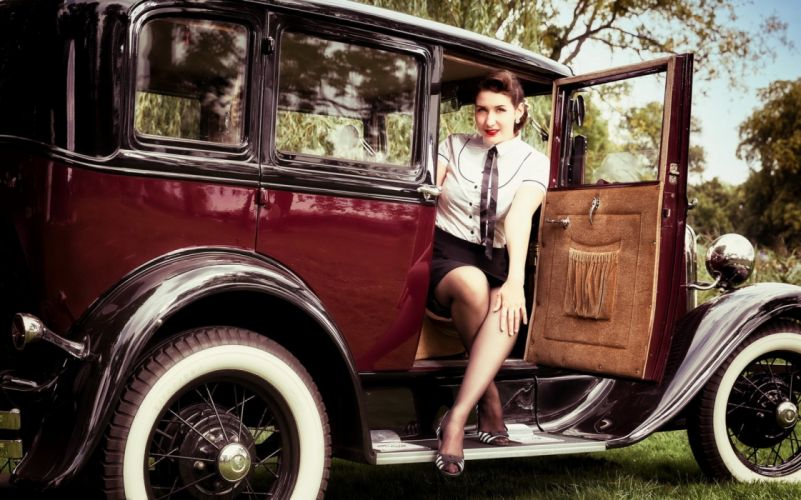 Machine sensuality sensual sexy girl woman model old-car classic oldtimer pinup legs knees dress stockings necktie vehicle wallpaper
