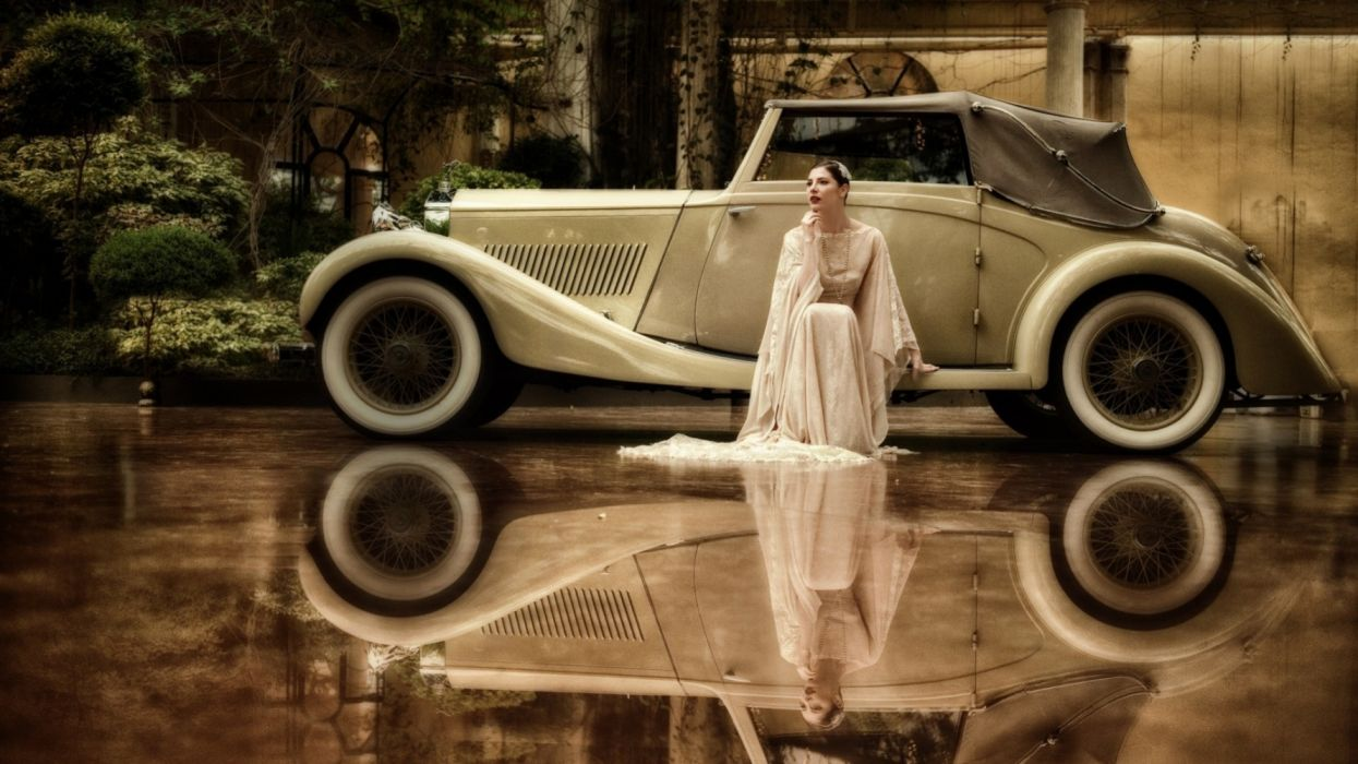 Machine sensuality sensual sexy girl woman model old-car classic photography dress sitting mirror refletion wallpaper