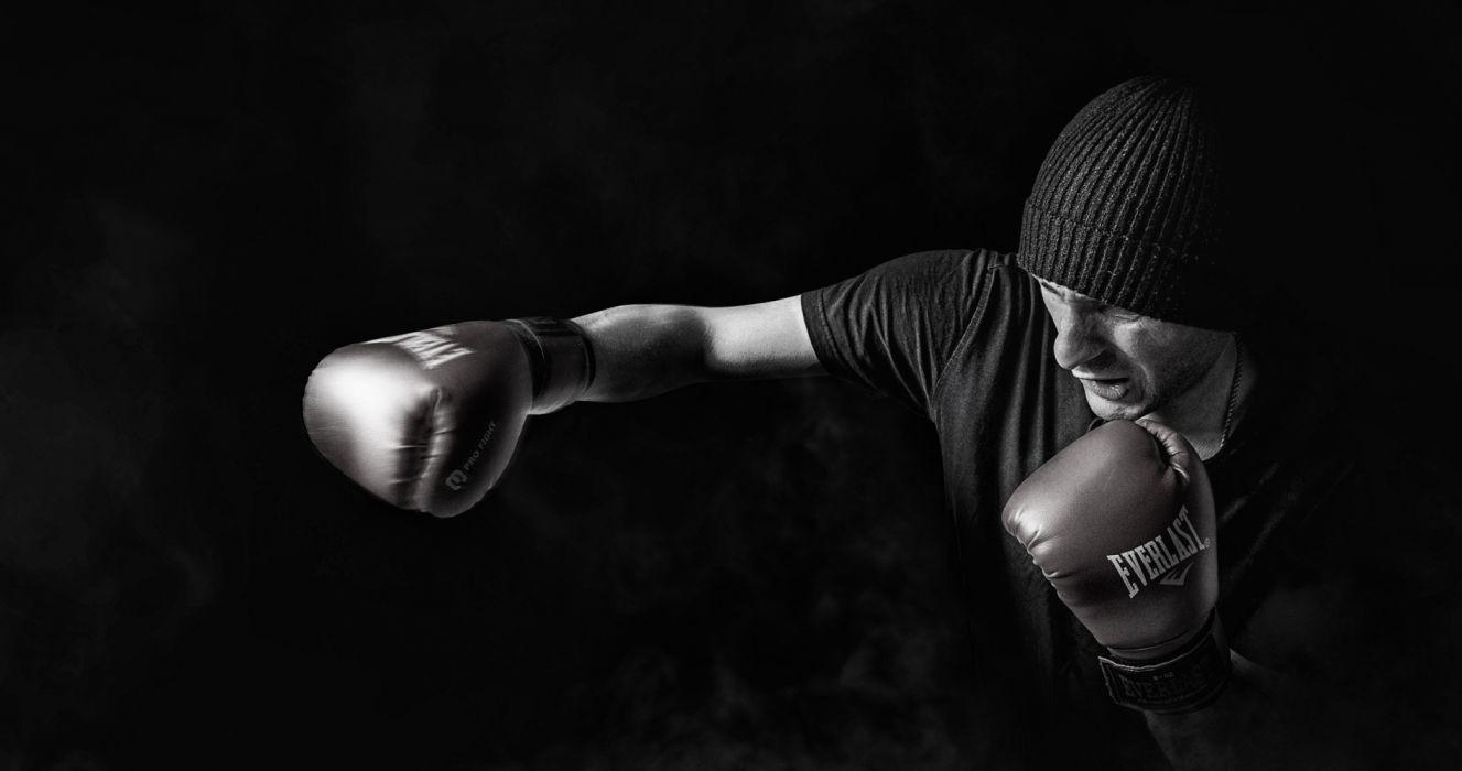 Man Doing Boxing wallpaper