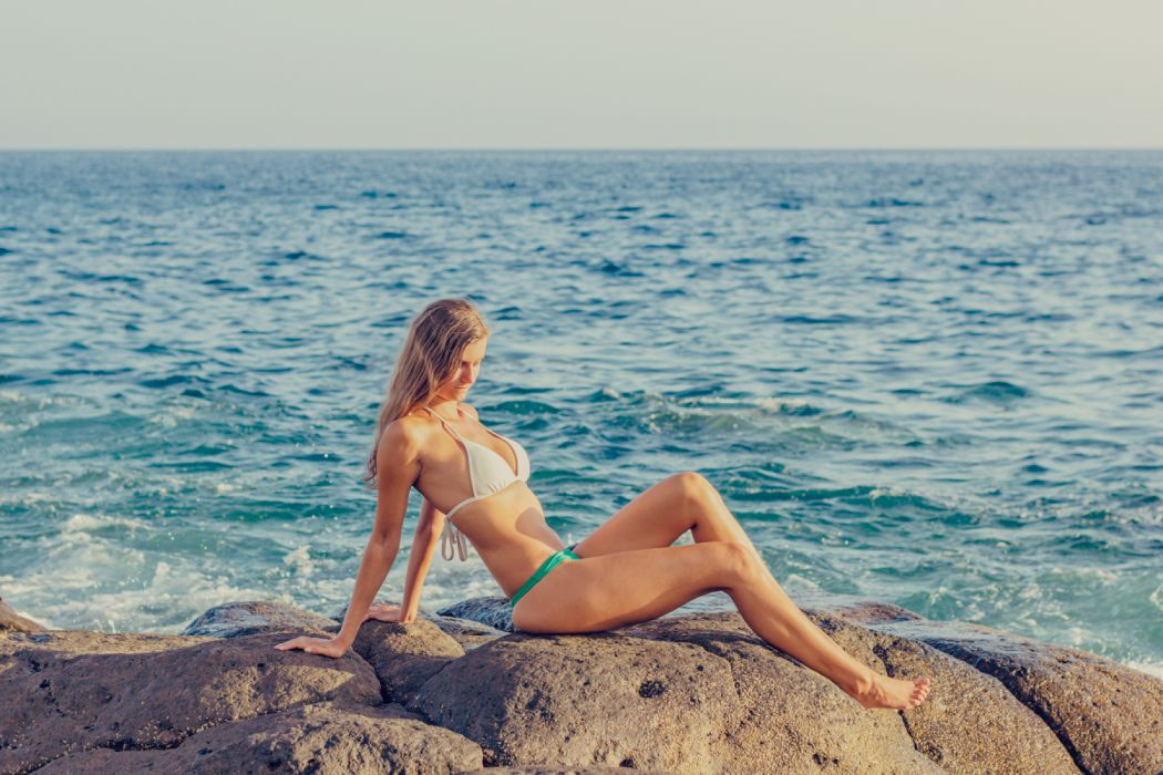 beach beautiful bikini body female fun girl horizon leisure ocean outdoors person recreation relaxation ripples sand sea seashore sexy shore sky summer sun sunbathing wallpaper