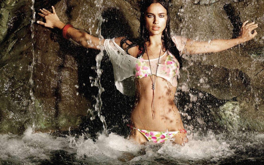 Photography sensuality sensual-sexy girl woman model Irina-Shayk belly navel bikini water drops wet-body waterfall wallpaper