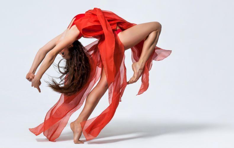 Photography sensuality sensual-sexy girl woman model legs knees barefoot feet red-dress dancer movement wallpaper