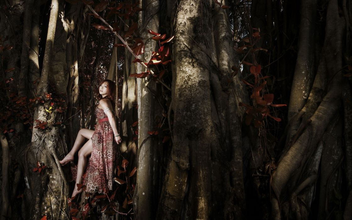 Photography sensuality sensual-sexy girl woman model legs knees forest trees asian wallpaper