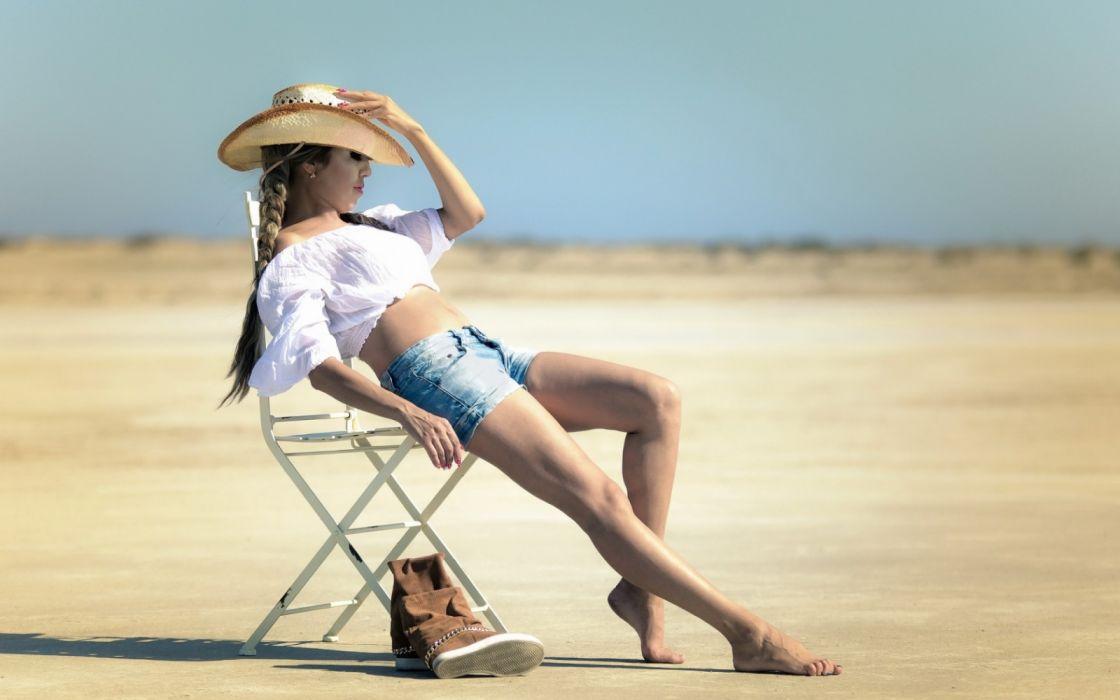 Photography sensuality sensual-sexy girl woman model legs knees jean-shorts denim torn hat desert chair boots wallpaper