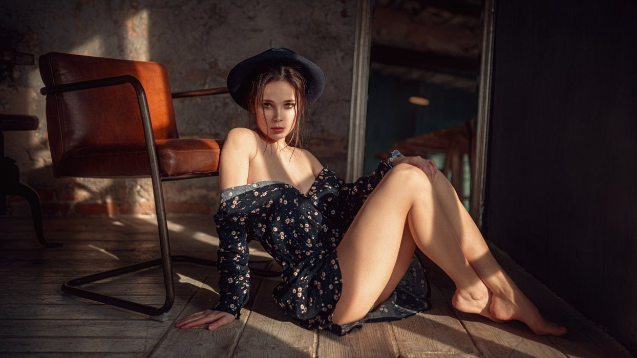 Photography Venera-Ray Georgy-Chernyadyev feet legs knees thgihs bare-shoulders sitting chair mirror dress cleavage hat floor upskirt wallpaper