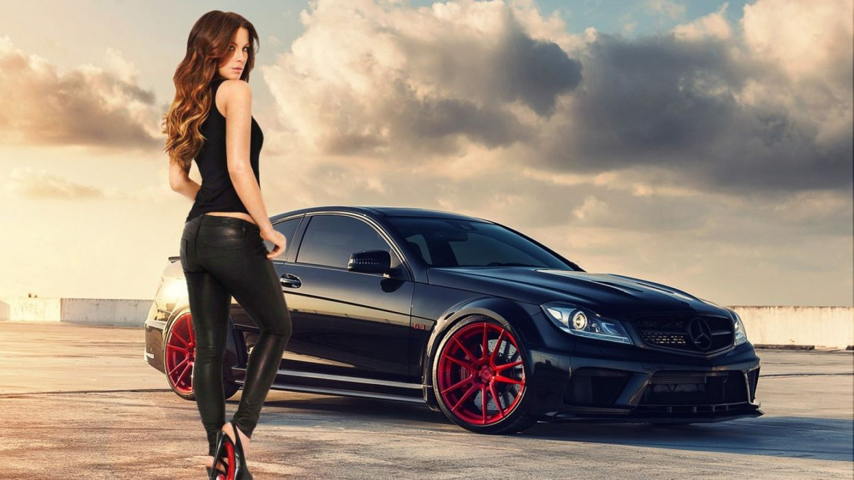 Machine sensuality sensual sexy girl woman model car Kate-Beckinsale legs tank-top leather-leggings actress sky clouds Mercedes-Benz C63-AMG wallpaper