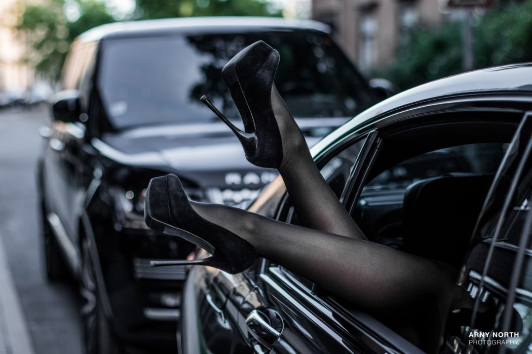Machine sensuality sensual sexy girl woman model car legs feet ankles stockings high-heels closeup BMW Range-Rover wallpaper