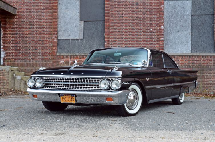 Ford Galaxie Starliner 1961 wallpaper