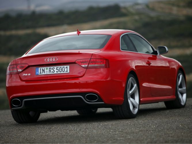 Audi RS5 2010 wallpaper