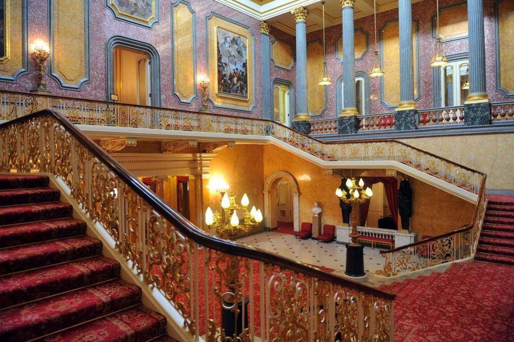Buckingham Palace Interior wallpaper
