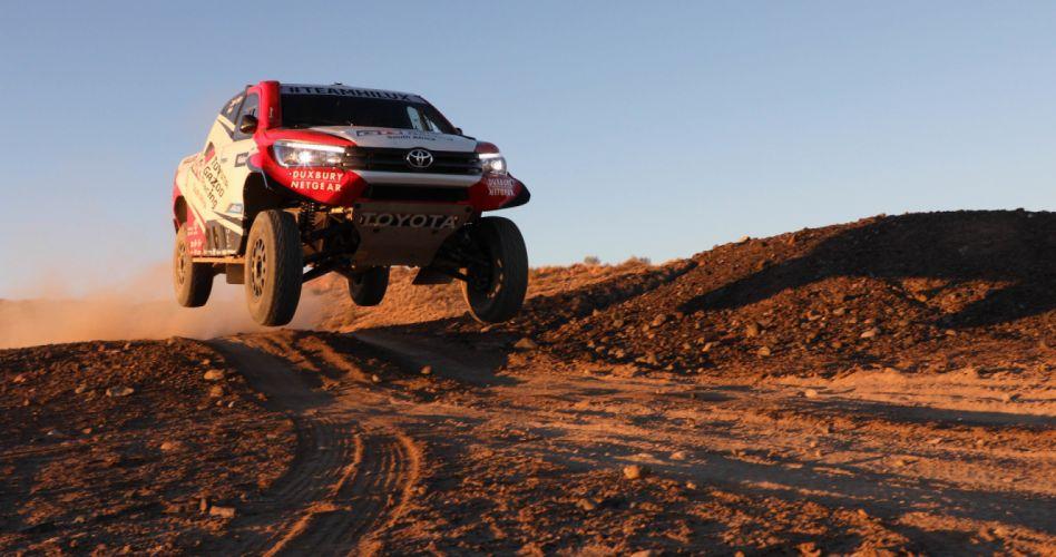 2018 Toyota Hilux Evo Rally Dakar pickup offroad race ...