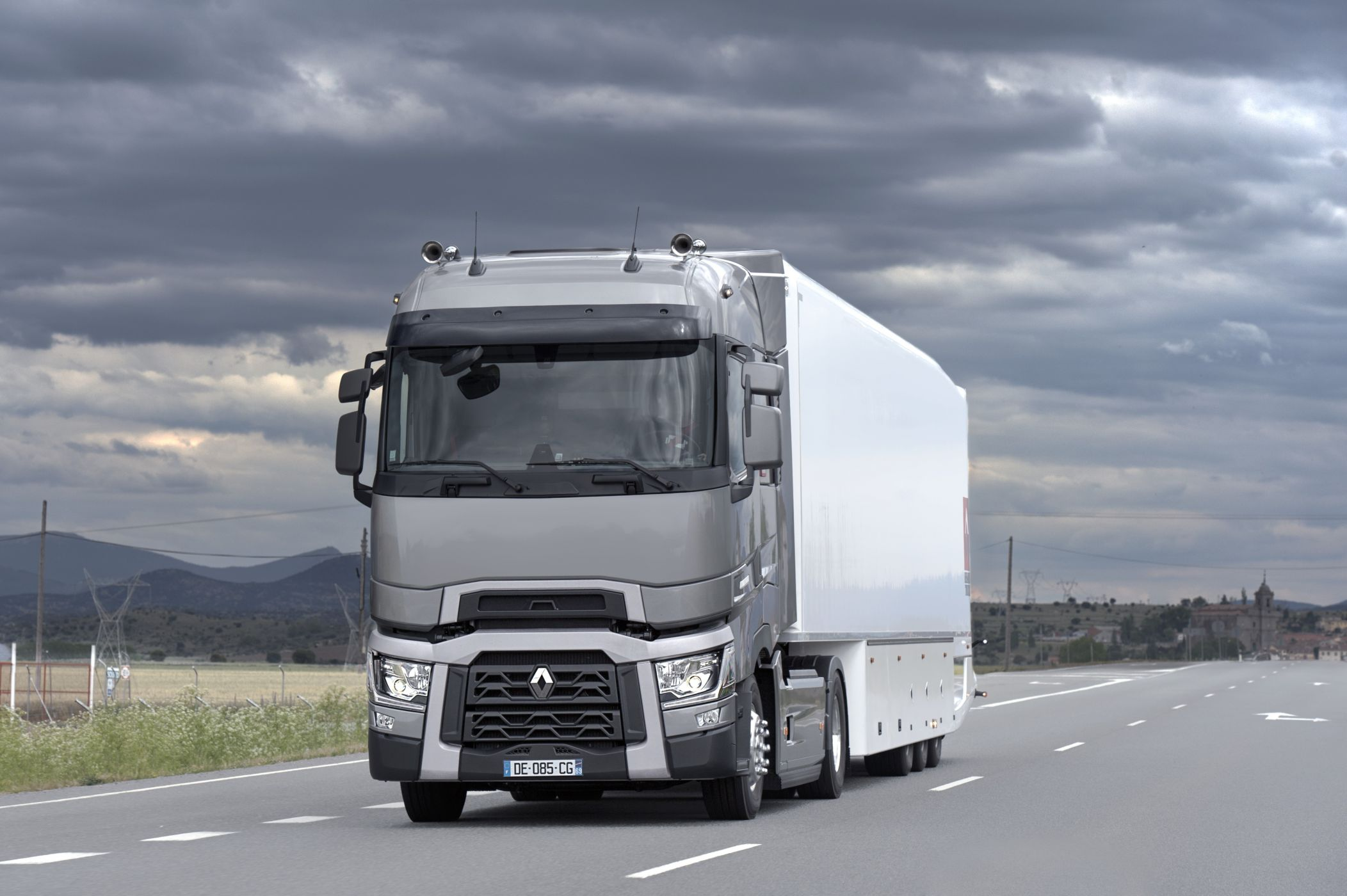 Новый рено грузовик фото