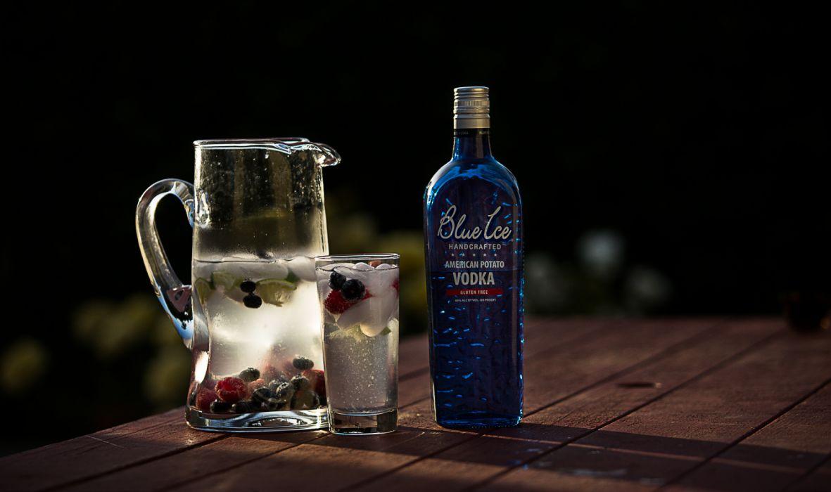 Blue Ice Vodka Spritzer wallpaper