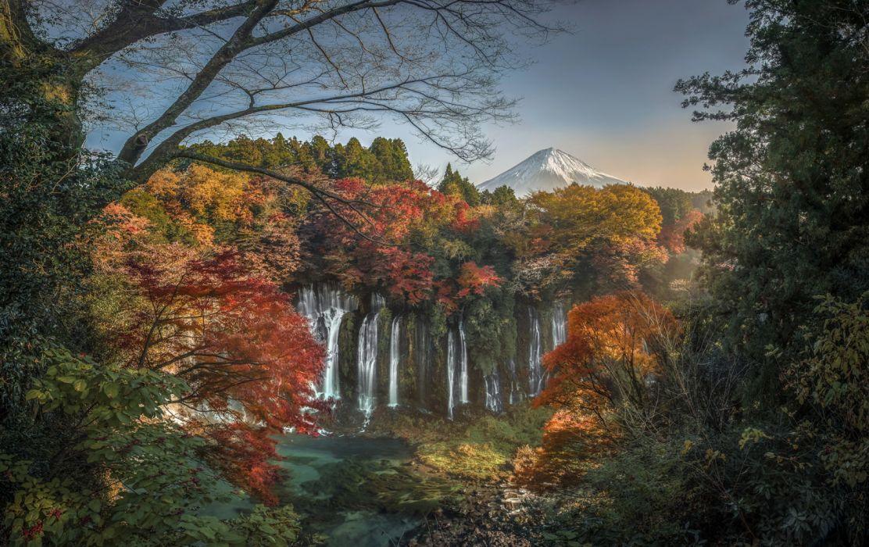 Japan Autumn Waterfalls Shiraito Falls Crag wallpaper