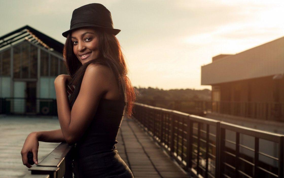 ebony mujer morena sombrero wallpaper