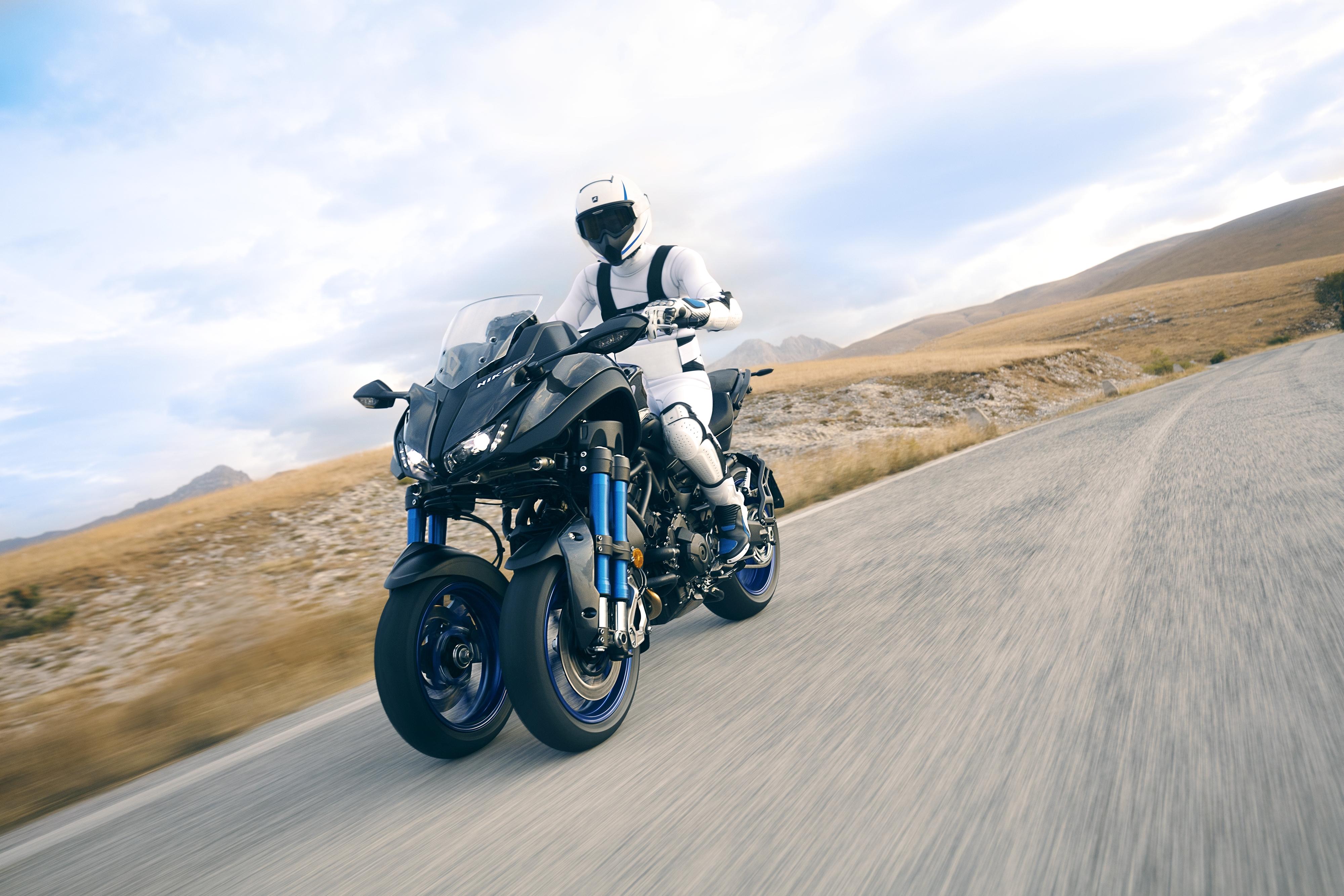 2019 Yamaha Niken Trike Superbike Motorcycle Wallpaper