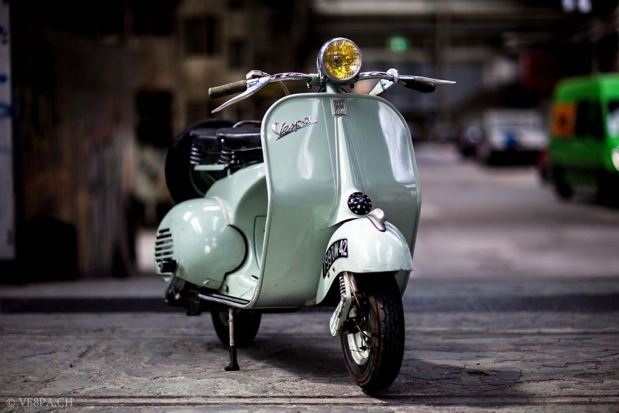 vintage italian scooter - 1013×1013