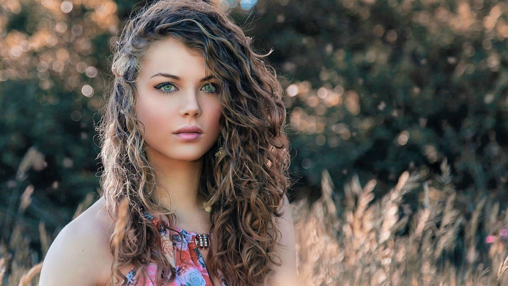 Самые красивые кучерявые девушки мира