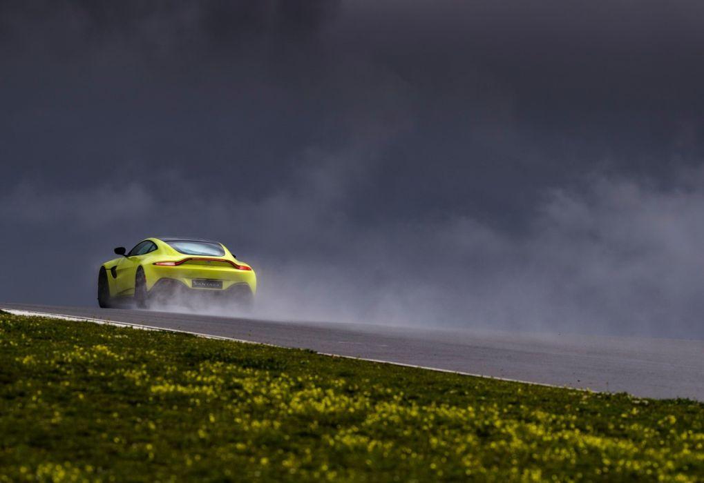 Aston Martin Vantage Lime Essence (2019) wallpaper