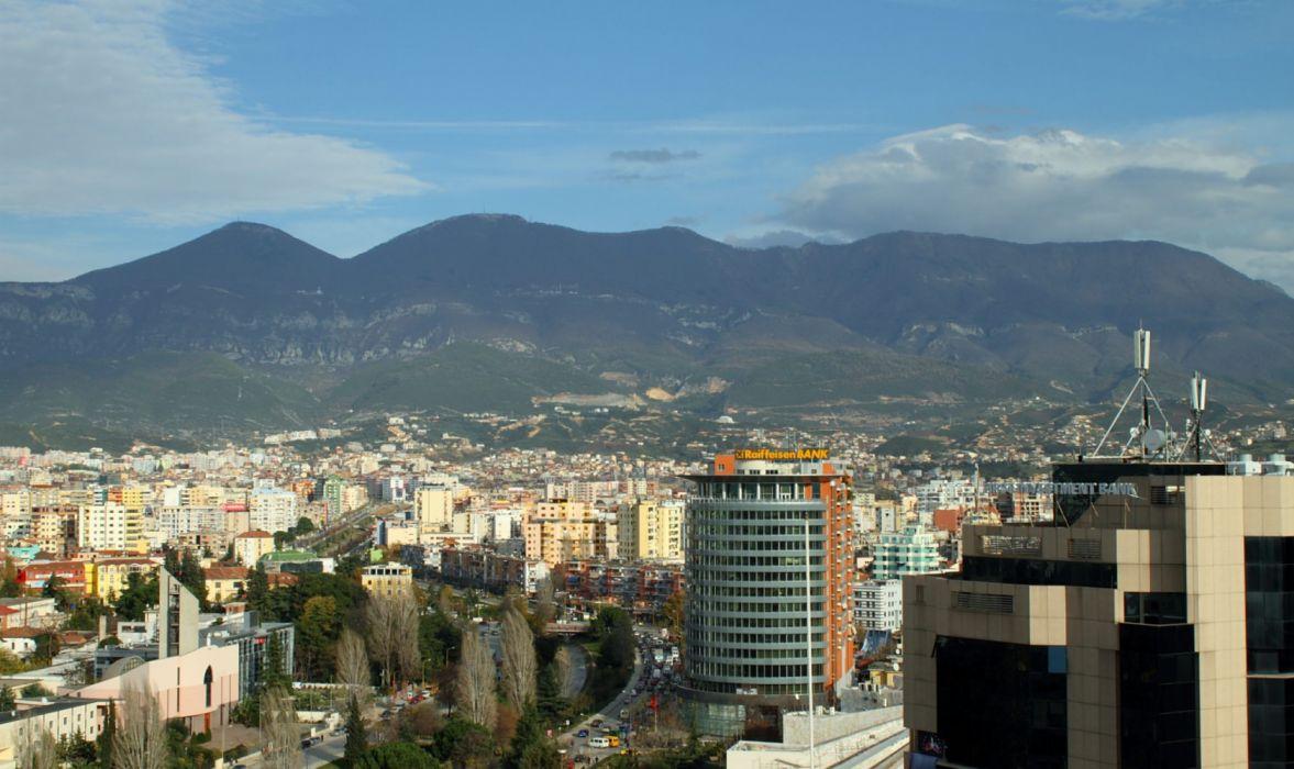tirana ciudad capital albania europa wallpaper