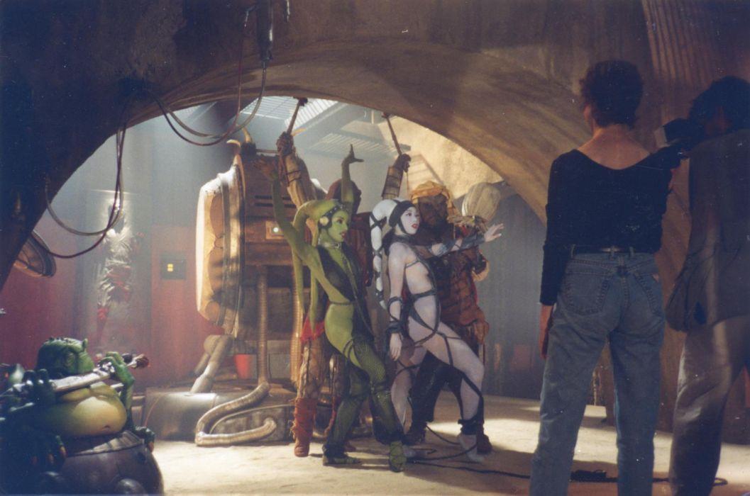 Oola Behind the star wars sci-fi wallpaper