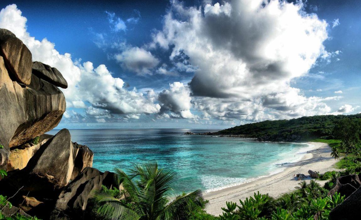 playa tropical selva nubes naturaleza wallpaper
