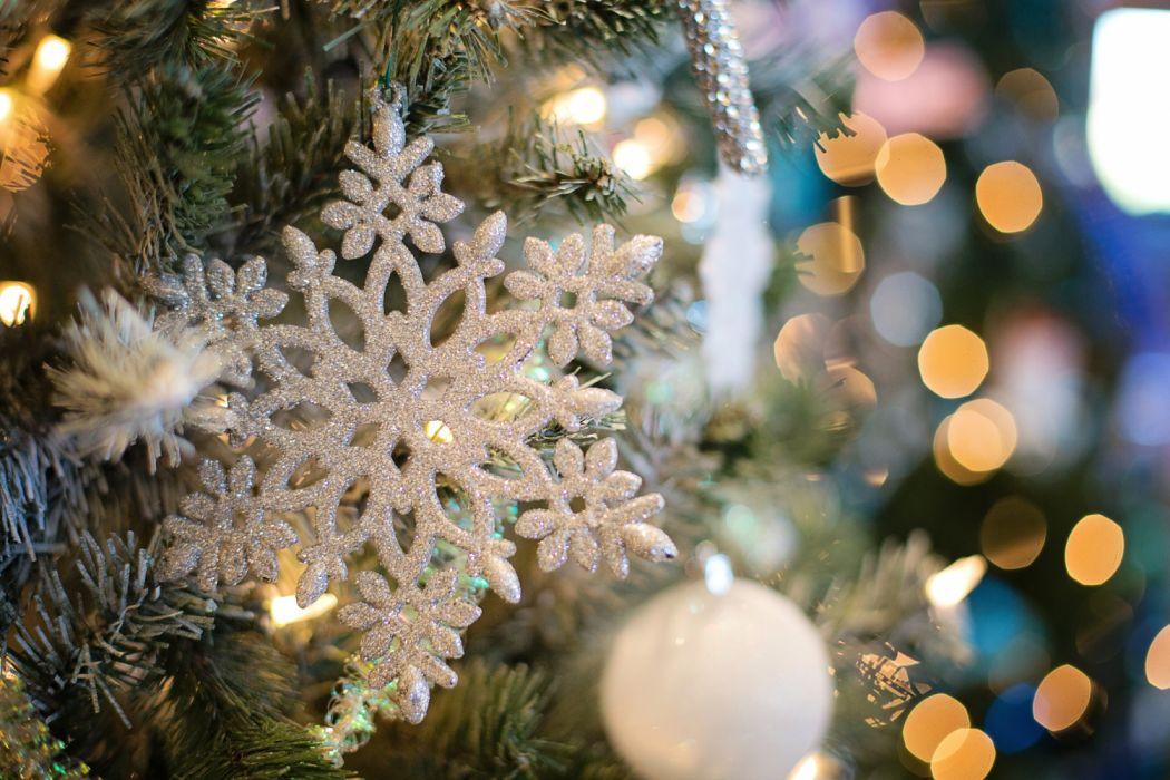 snowflake ornament christmas ornament tree december christmas holiday x-mas winter wallpaper