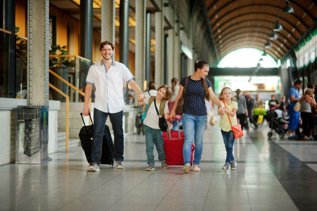 familia aeropuerto viaje paseo entretenimiento wallpaper