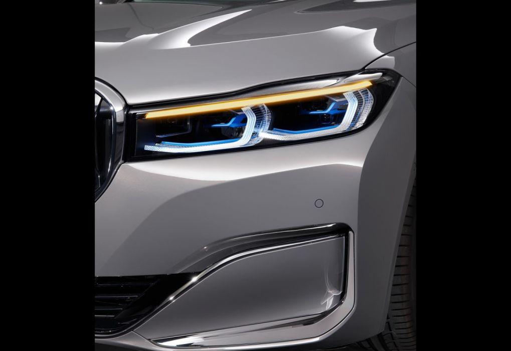 BMW 7-Series (2020) wallpaper