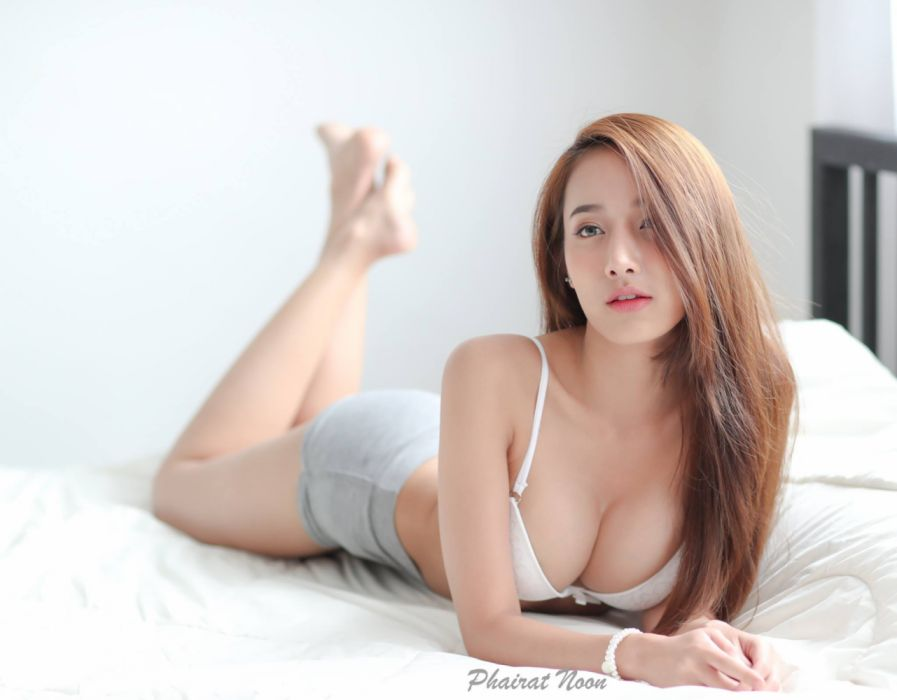 Pichana yoosuk Club 08-3 wallpaper