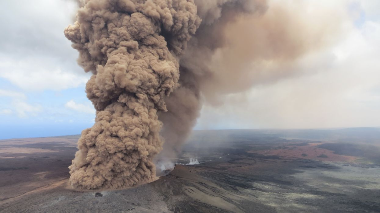 nube volcan naturaleza wallpaper