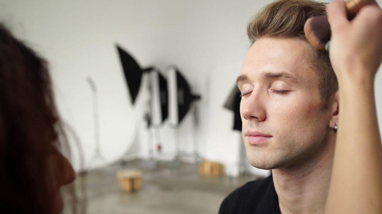 hombre moreno modelo maquillaje wallpaper