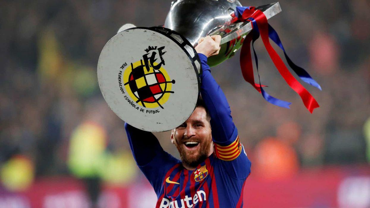 Leo Messi Capitan Fc Barcelona Copa Liga 2018 19 Wallpaper