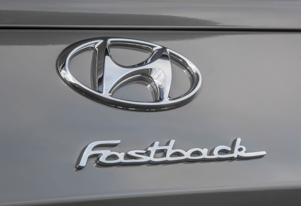 Hyundai i30 Fastback N [UK] (2019) wallpaper