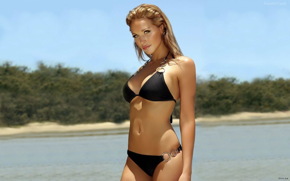 mujer rubia bikini negro playa wallpaper