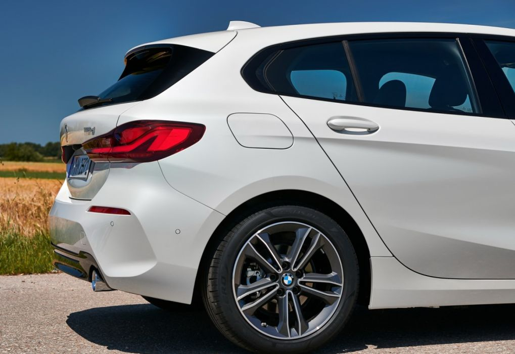 BMW 1-Series (2020) wallpaper