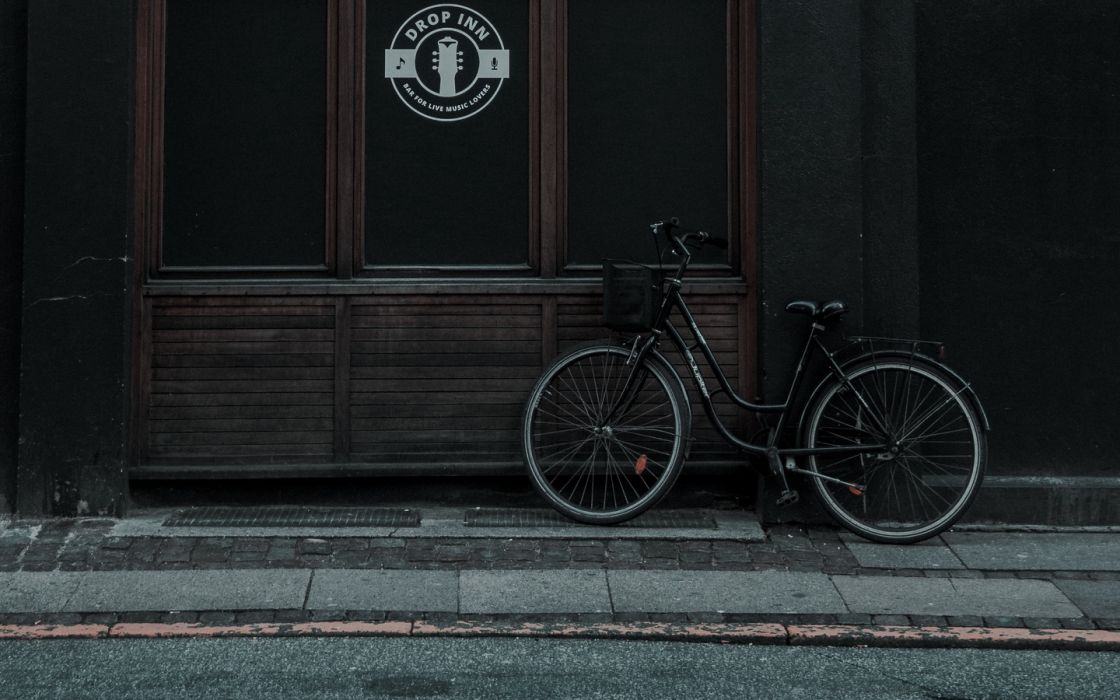 bike building facade 142681 1440x900 wallpaper