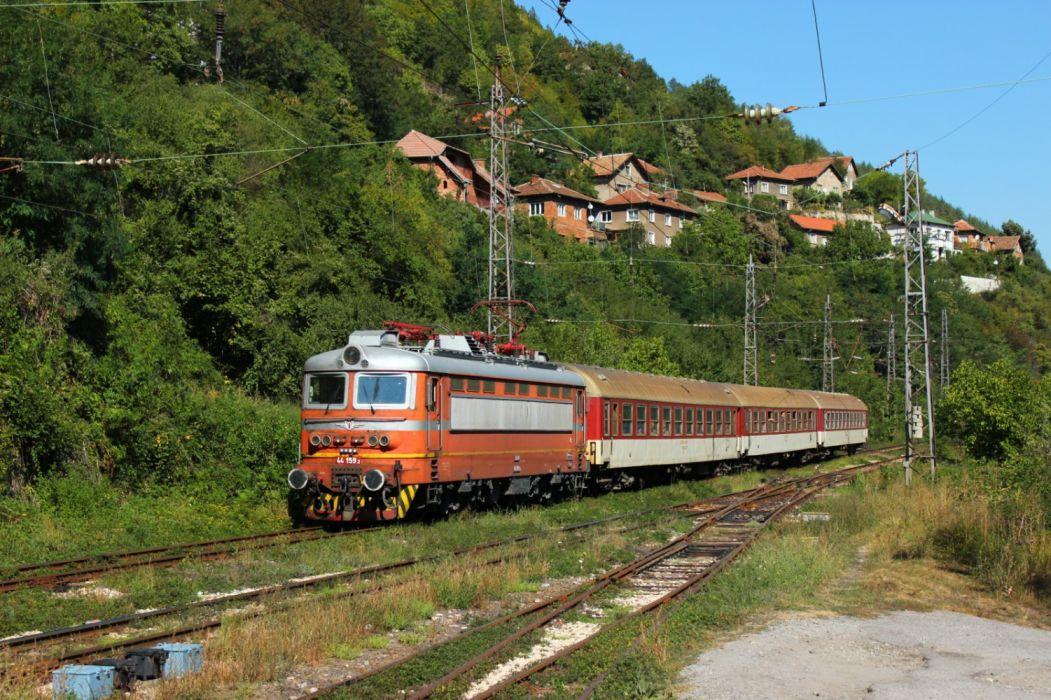 tren electrico bulgaria paisaje wallpaper