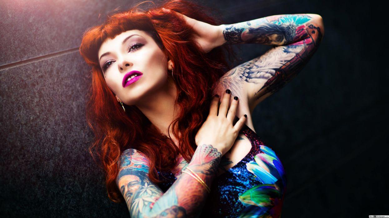 mujer tatuaje pelirroja wallpaper