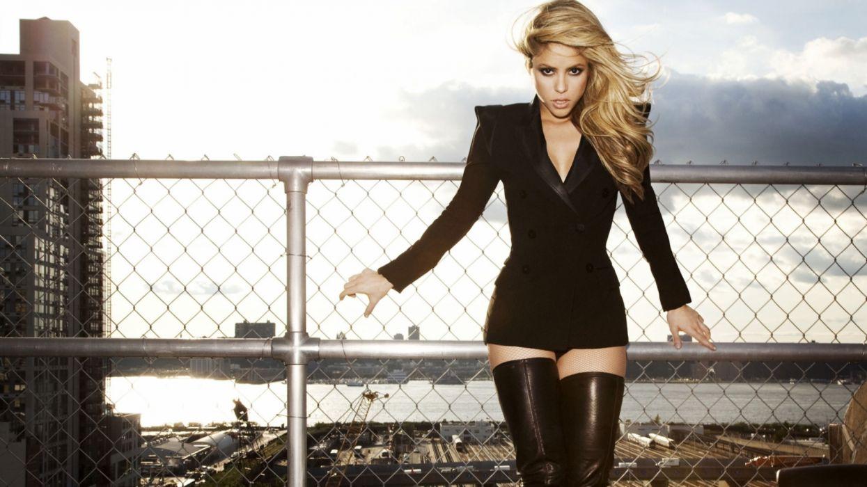 Shakira In Black music colombia wallpaper