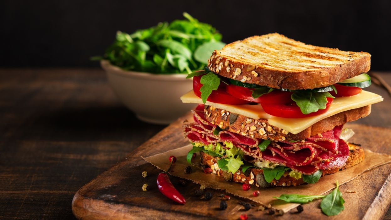 Butterbrot Sandwich Sausage Cheese Tomatoes wallpaper