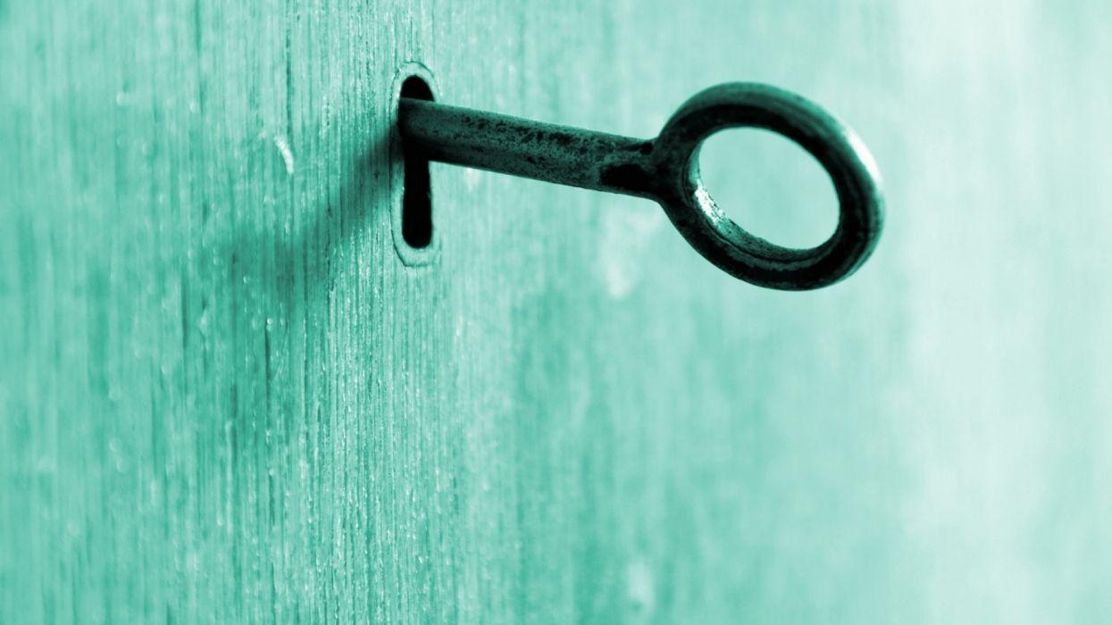 Key door blue wallpaper