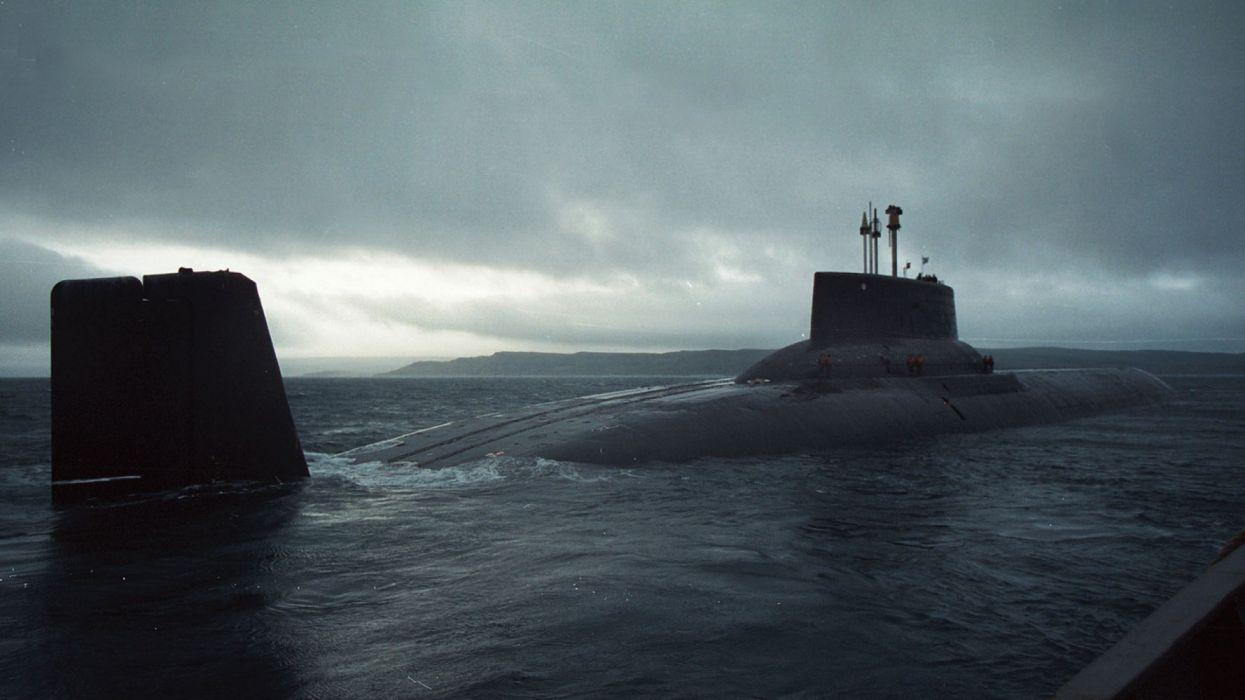 submarino emergiendo vehiculo maritimo wallpaper